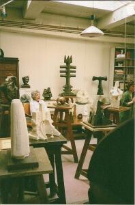Simone Boisecq dans son atelier